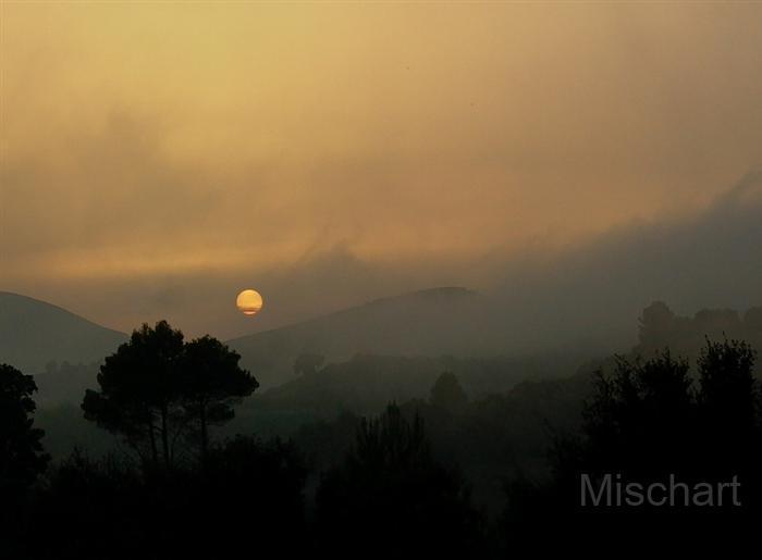 atmospheric-photography-sunset-mist