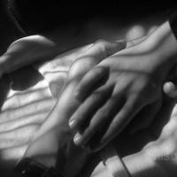 photography-shadows-hands