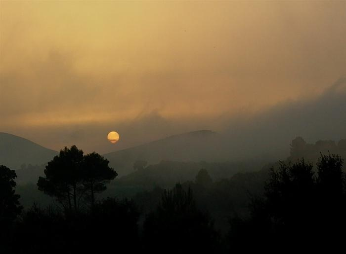 atmospheric-photography-sunset-mist