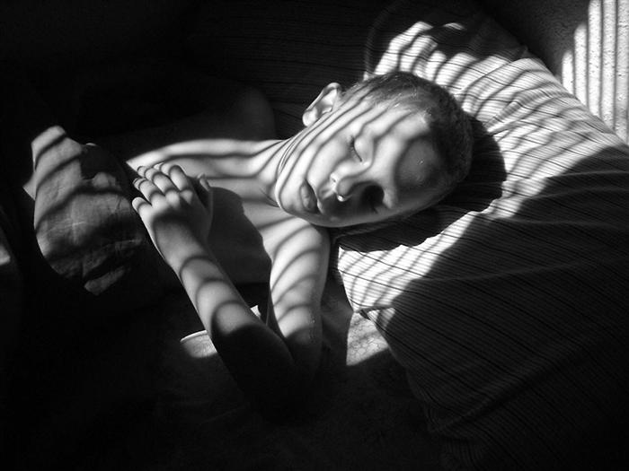 photography-shadows-sleeping