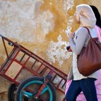 mischart-photography-walking