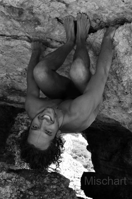 mischart-photography-cave-man